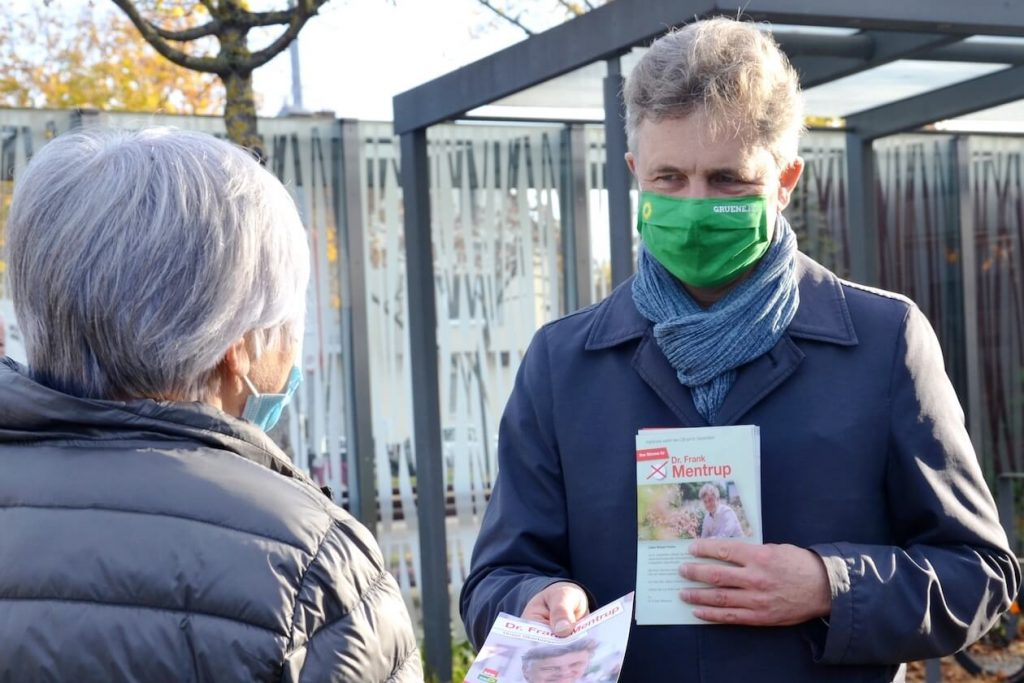 Frank Mentrup macht Wahlkampf in Karlsruhe
