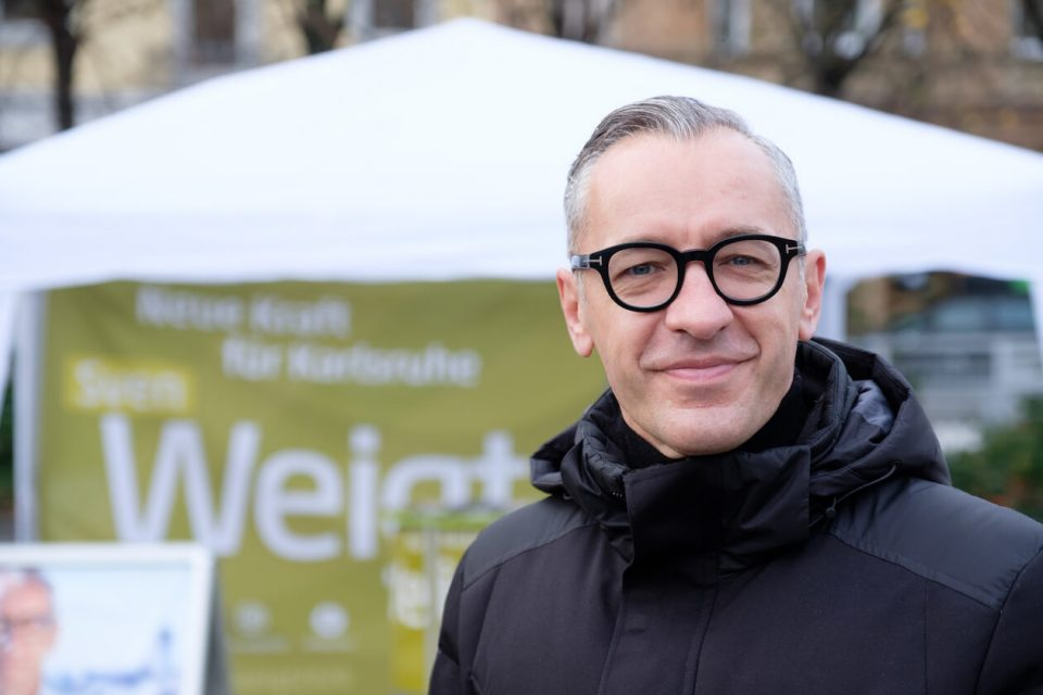 Sven Weigt beim Wahlkampf in Karlsruhe