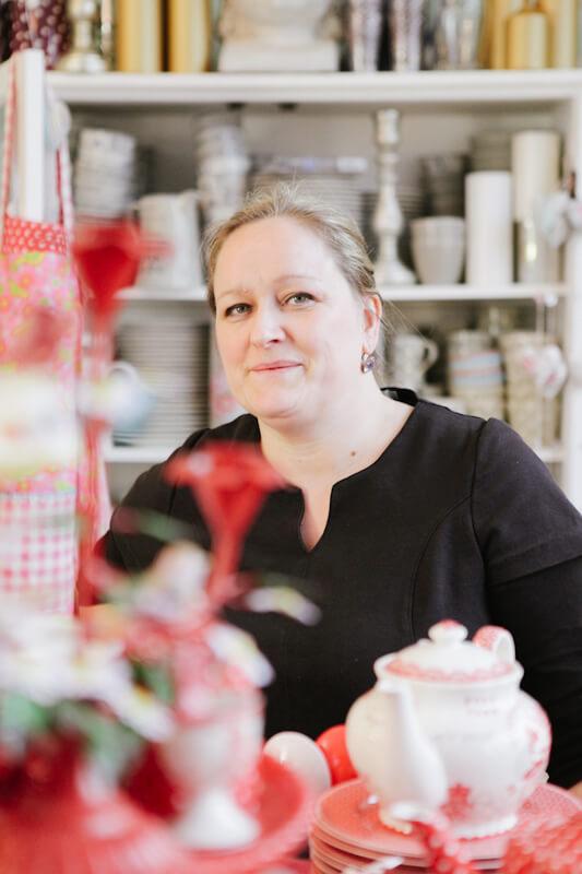 Esther Scheffer in ihrem Laden Libelle