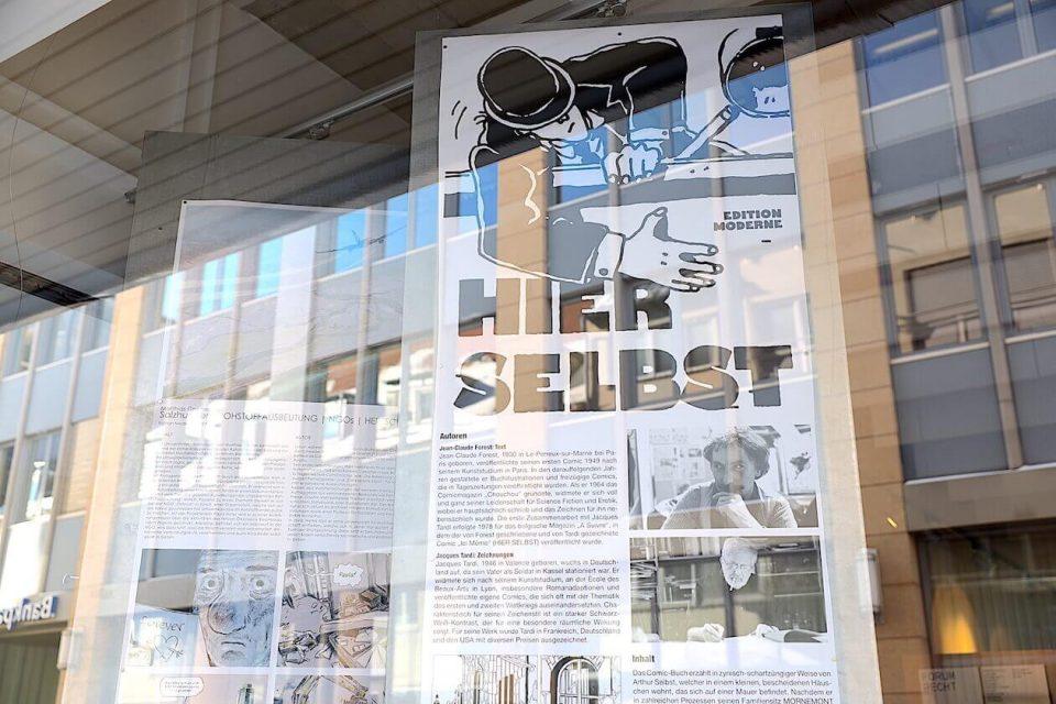 Comics über Architektur sind im Architekturschaufenster ausgestellt