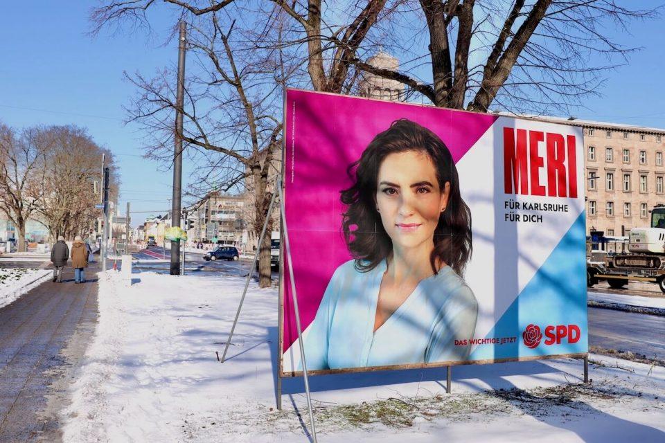 Wahlplakat von Meri Uhlig in Karlsruhe