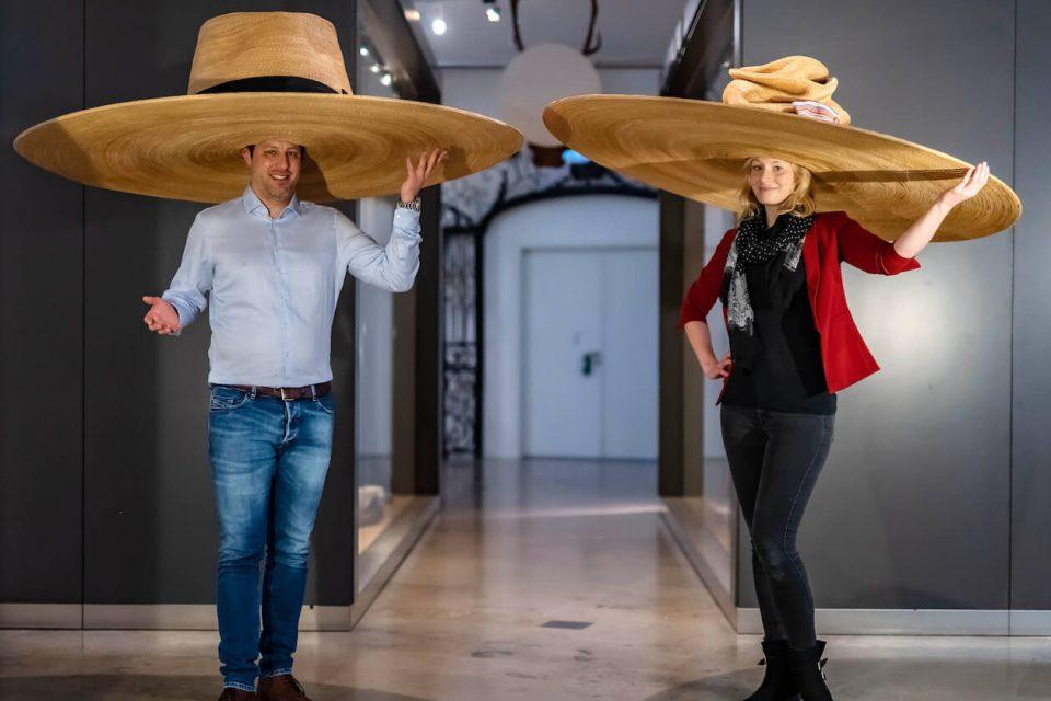 Abstandhüte aus der Corona-Sammlung des Badischen Landesmuseums
