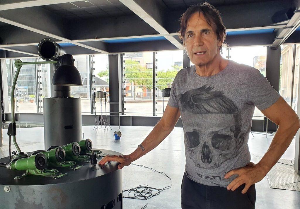 Jean-Remy von Matt with plugs in the ZKM cube